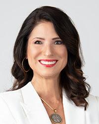 Adriana Guzmán Fralick, '03